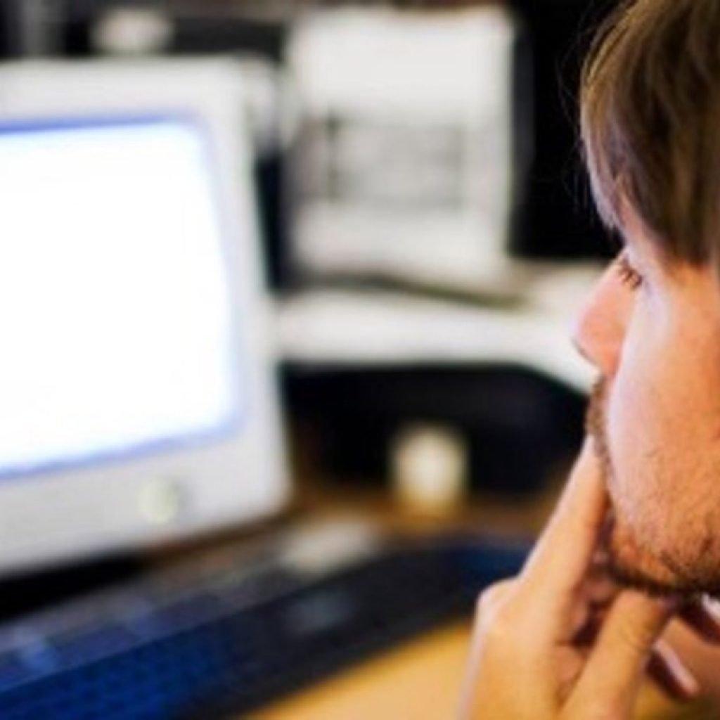 Μπορεί η υπερβολική παρακολούθηση πορνό να επηρεάσει την στυτική λειτουργία;