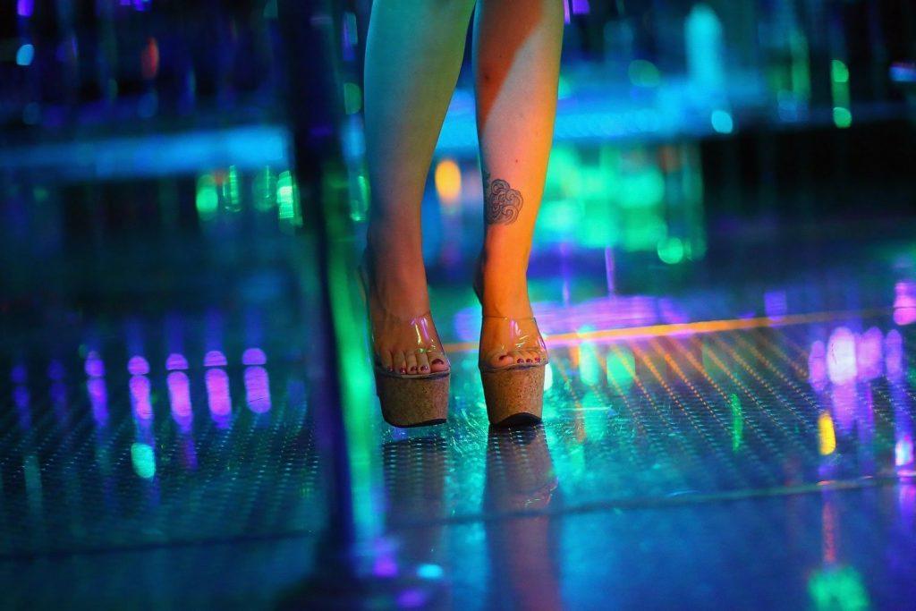 Μελέτη διαπιστώνει ότι μια στις τέσσερις γυναίκες που εργάζονται στον χώρο ψυχαγωγίας ενηλίκων παρουσιάζουν σεξουαλική δυσλειτουργία.